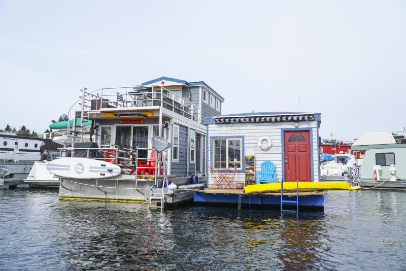 Belle case galleggianti sull'unione del lago a Seattle - SEATTLE/WASHINGTON - 11 aprile 2017 fotografia stock
