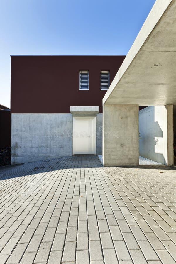 Belle case moderne immagine stock immagine di giorno 24120319 - Case belle moderne ...