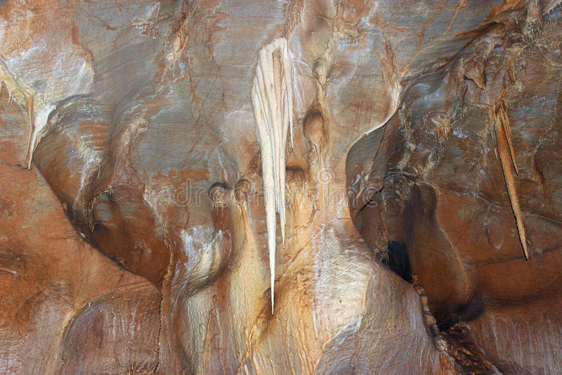 Download Belle Caverne De Stalactite Photo stock - Image du mystère, stalactites: 87702874