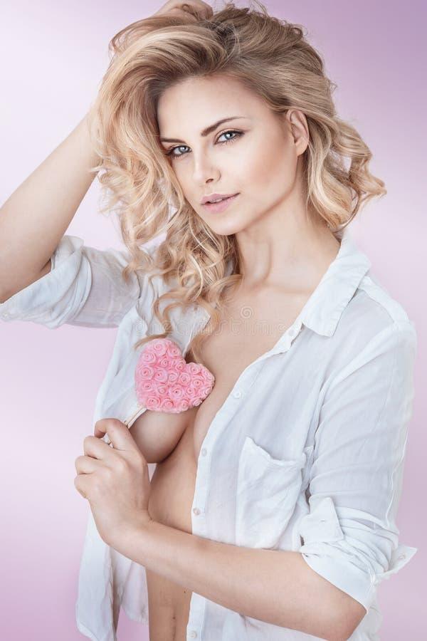 Belle dame blonde naturelle photo libre de droits