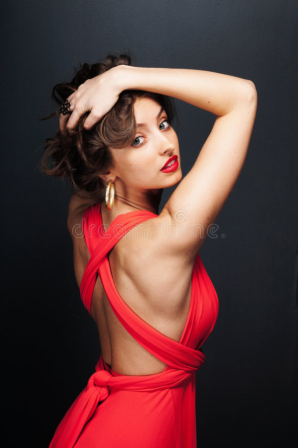 Belle donne in vestito rosso immagine stock libera da diritti