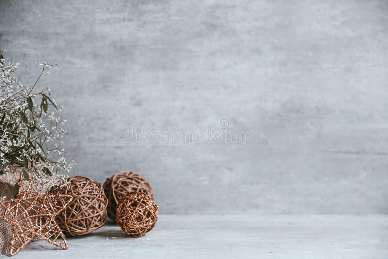 Belle et moderne composition en Noël sur le fond en bois images libres de droits