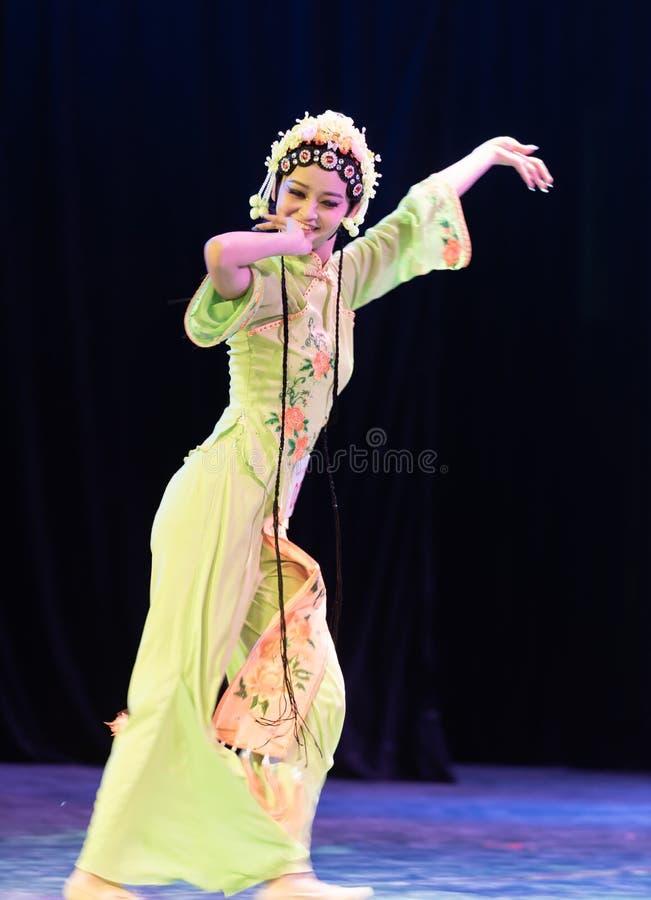 Belle exposition classique de Danse-obtention du diplôme du marieur 2-Chinese de département de danse photographie stock