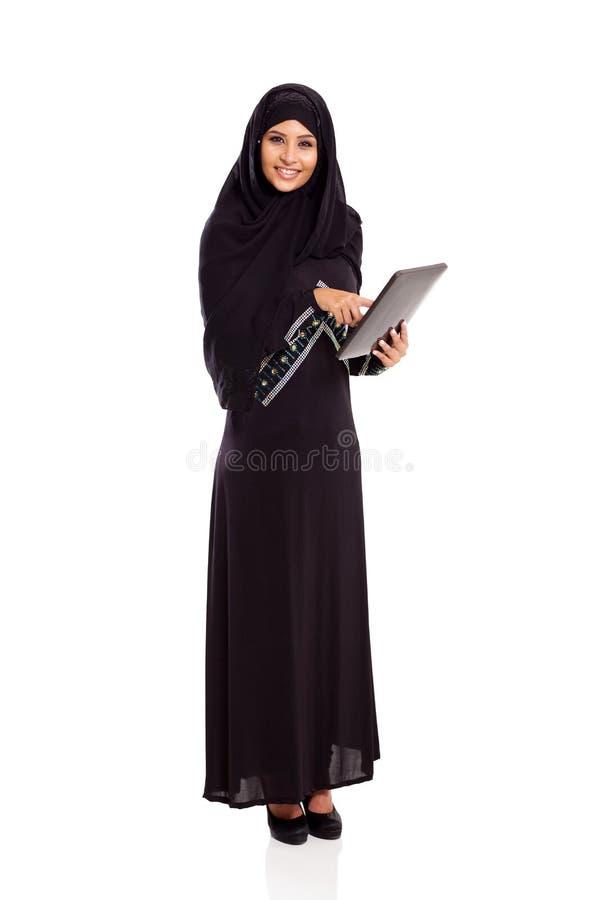 Comprimé arabe de femme photo stock