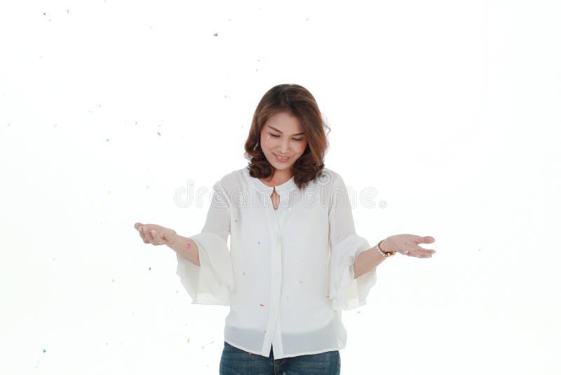 Belle femme asiatique dans le chemisier blanc photo stock