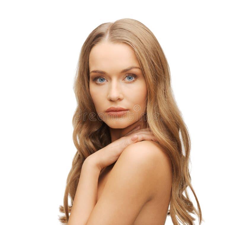 Belle femme avec de longs cheveux image stock