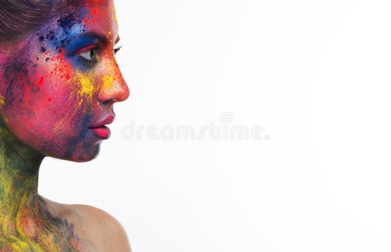 Belle femme avec le maquillage créatif lumineux d'art photos stock