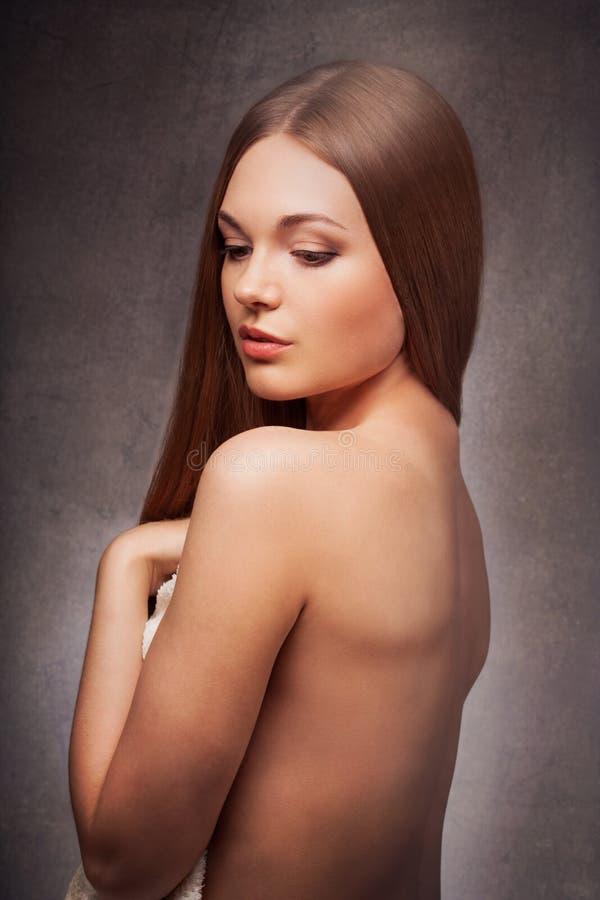 Belle femme avec le portrait arrière nu images libres de droits
