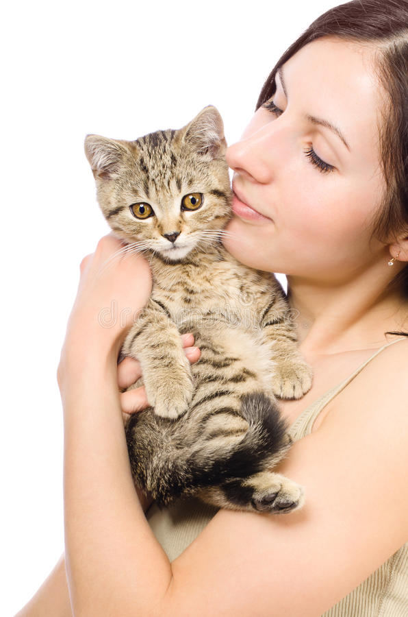 Belle femme avec un chaton photo stock