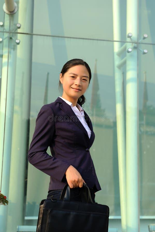 Belle femme d'affaires asiatique images stock