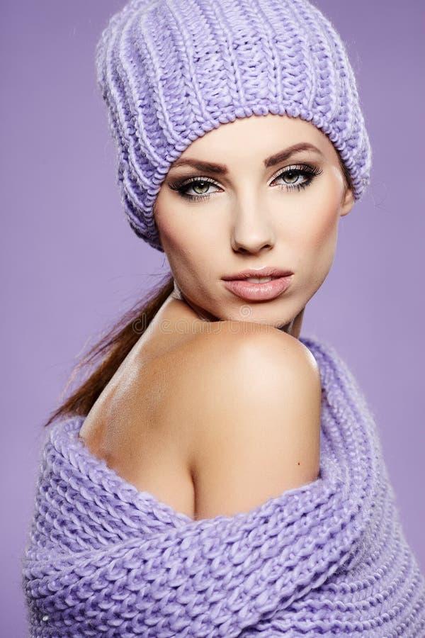 Belle femme d'hiver photo stock