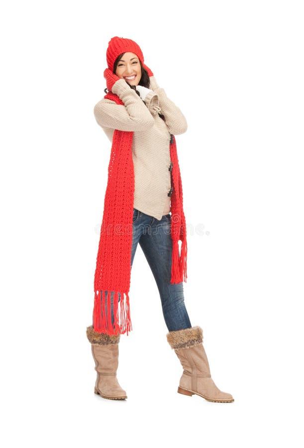 Belle femme dans le chapeau, le silencieux et des mitaines photos stock