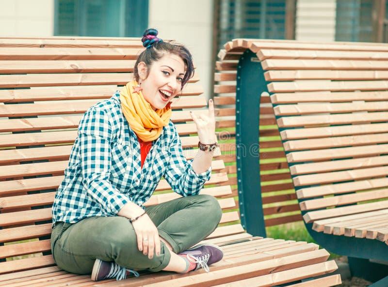 Belle femme de hippie de mode avec les cheveux colorés photo libre de droits
