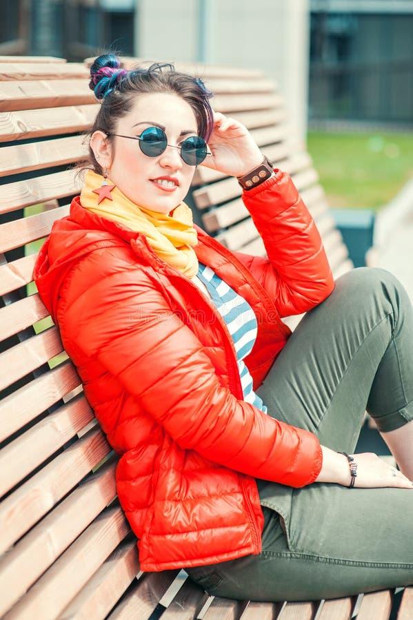Belle femme de hippie de mode avec les cheveux colorés images libres de droits