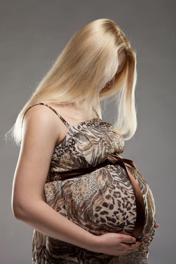 Belle femme enceinte photographie stock