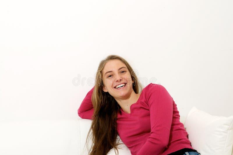 Belle femme heureuse image stock