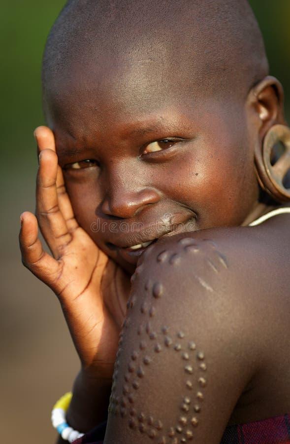 Belle femme Omo du sud, Ethiopie de Mursi photos libres de droits