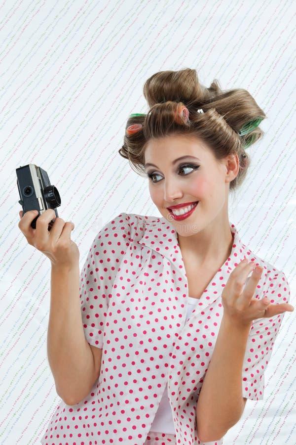Belle femme prenant l'autoportrait  photos stock