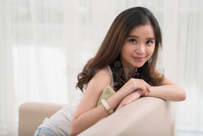 Belle fille asiatique photo libre de droits