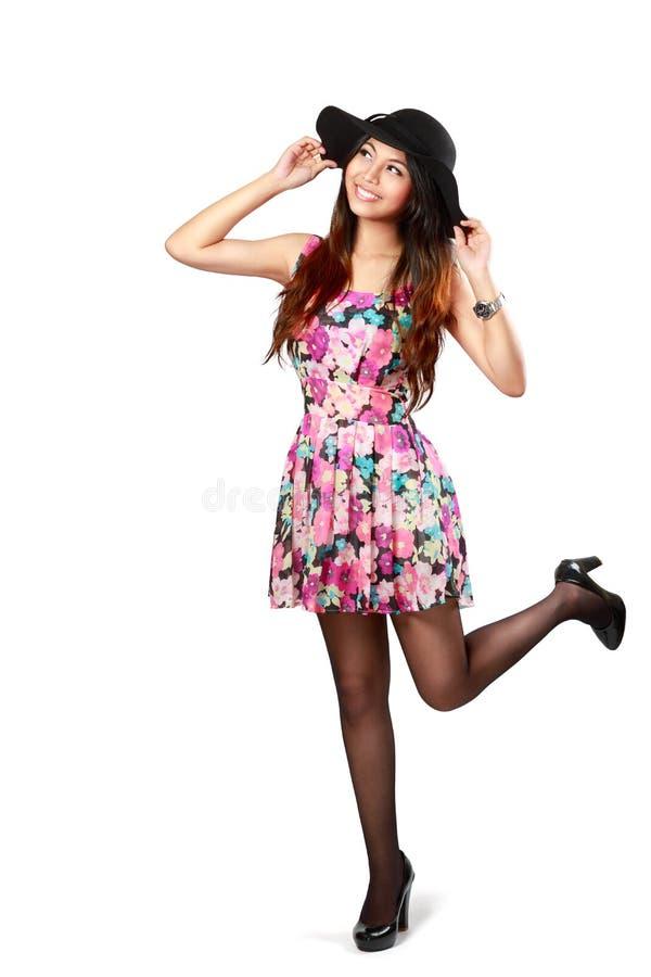 Belle fille asiatique heureuse et de joie image stock