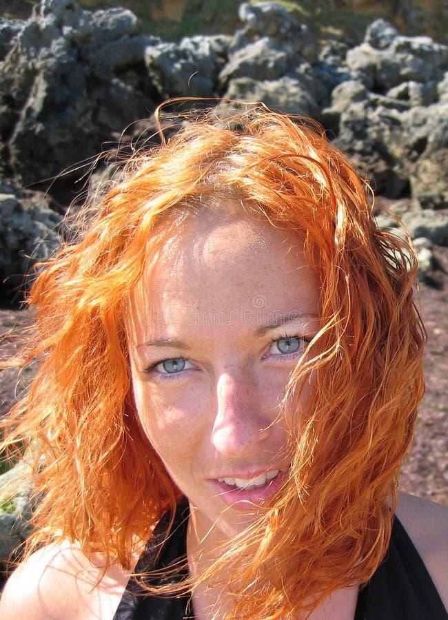 Belle fille avec le cheveu grand images libres de droits