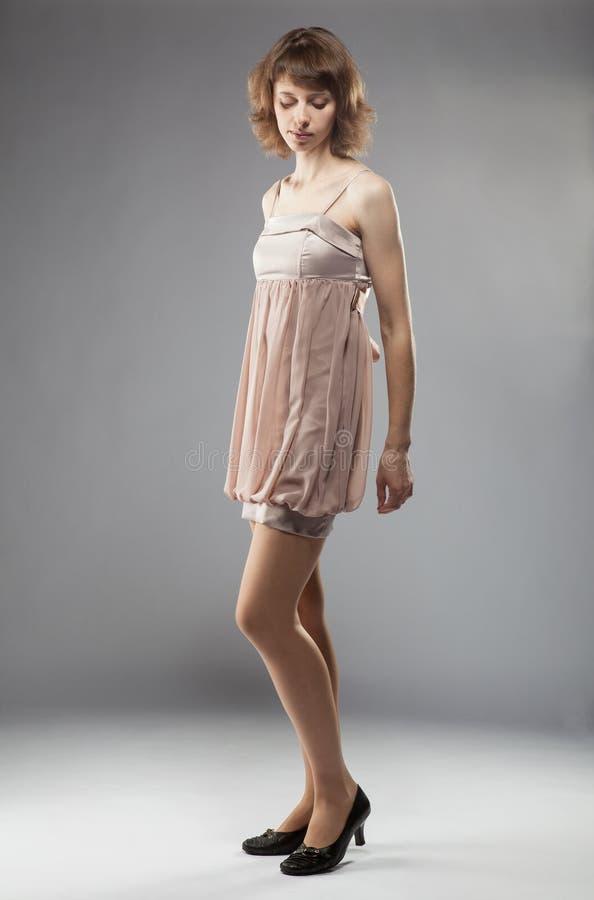 Belle fille dans la robe images libres de droits