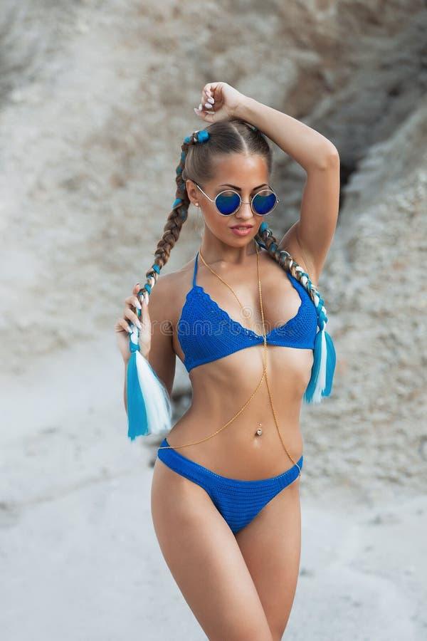 belle fille de bikini de plage photo stock