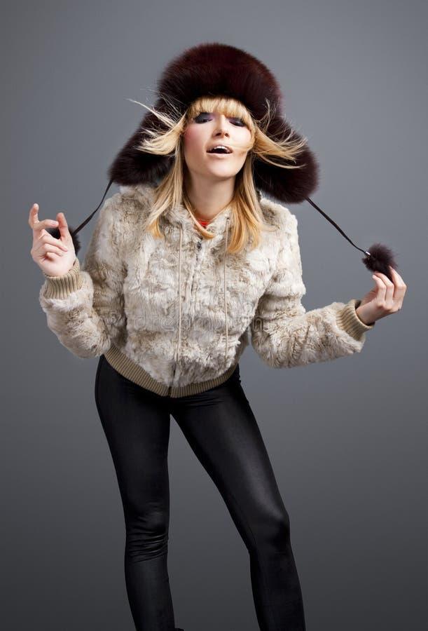 Belle fille de mode de l'hiver photo libre de droits