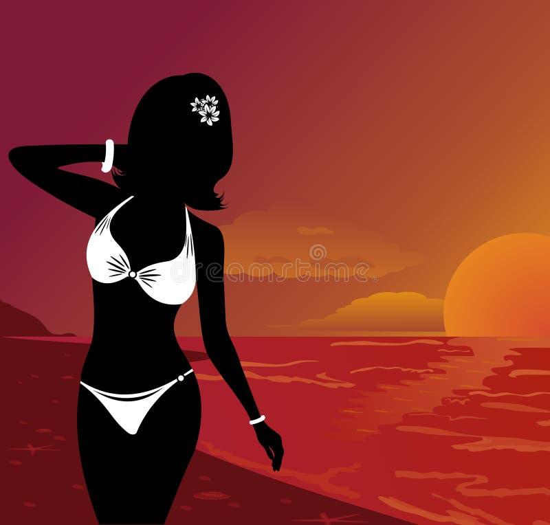 Belle fille de silhouette au coucher du soleil sur la plage illustration libre de droits