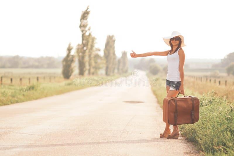 Belle fille de voyageur photos stock