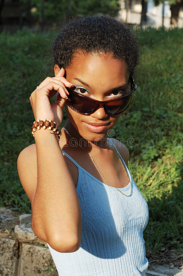 Belle fille noire image stock