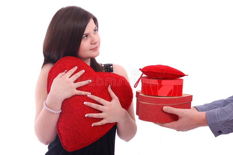 Belle fille recevant des cadeaux images stock