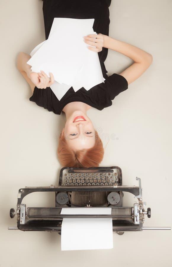 Belle fille red-haired photos libres de droits