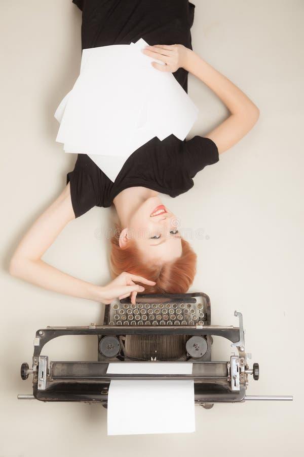 Belle fille red-haired image libre de droits