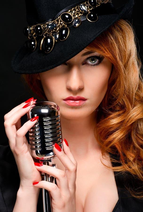 Belle fille rousse photo stock