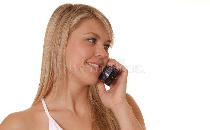 Belle fille sur le téléphone portable images libres de droits