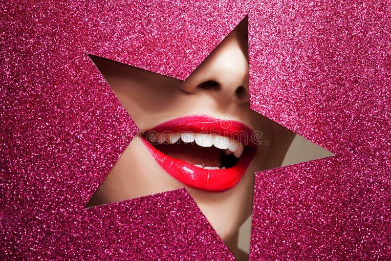 Belle fin de fille, papier sous forme d'étoile image libre de droits