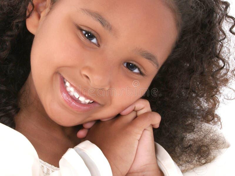 Belle fin vers le haut de fille de six ans photo stock