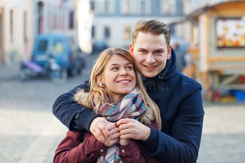Belle giovani coppie fotografie stock libere da diritti