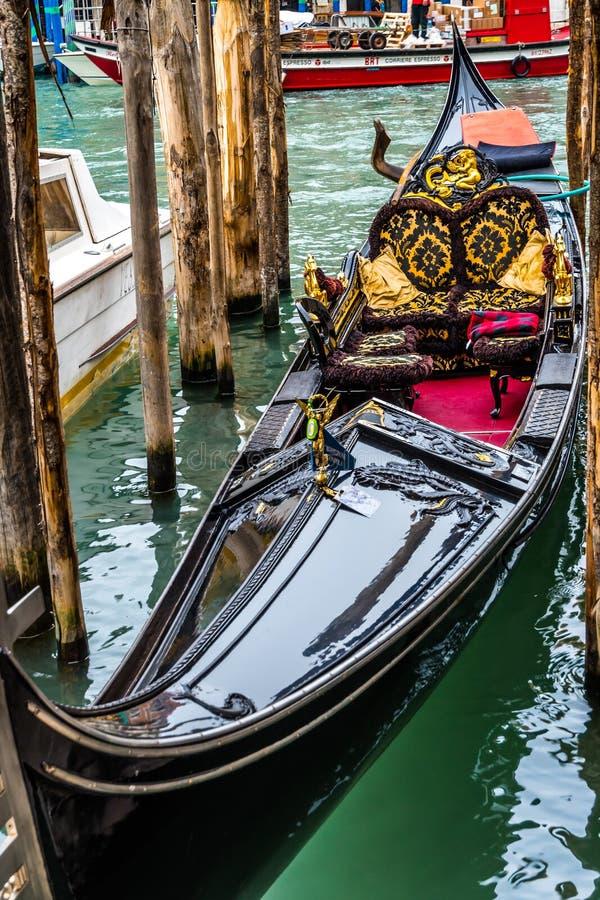 Belle gondole romantique à Venise, Italie photos libres de droits