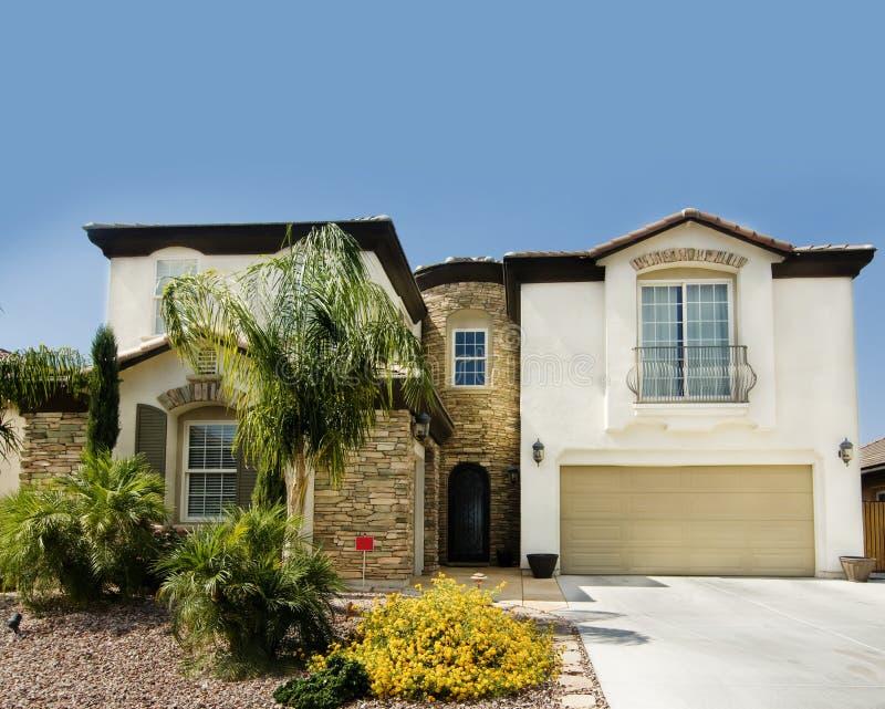 Belle grande maison neuve en Arizona image stock