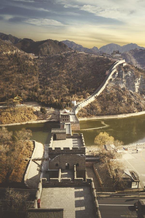 Belle Grande Muraille antique de la Chine au lever de soleil photographie stock libre de droits