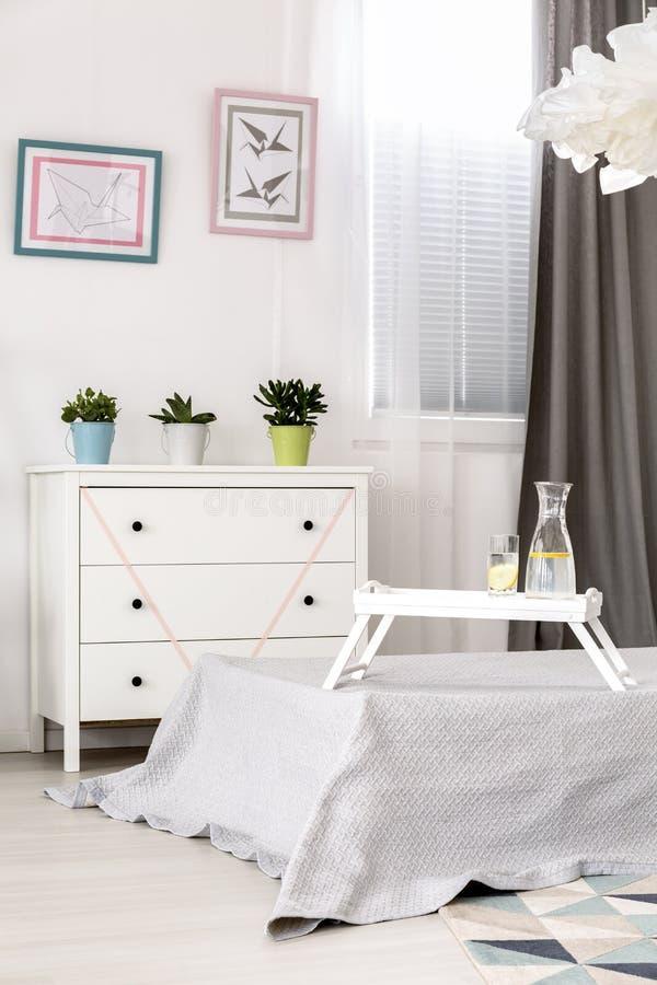 Belle idée légère de chambre à coucher photos libres de droits
