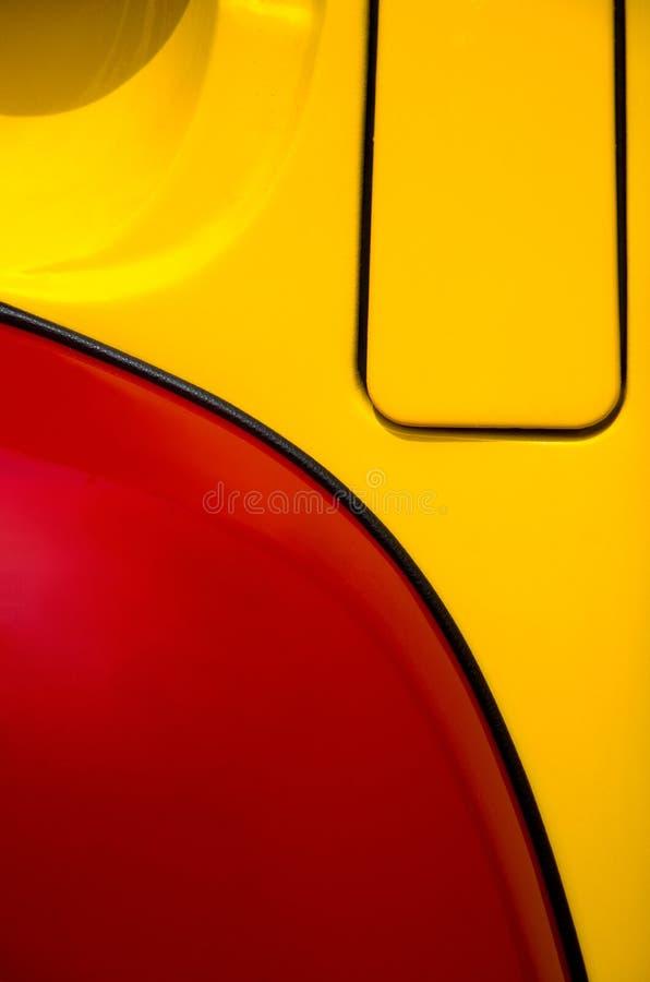 Belle image abstraite rouge et jaune d'un camion de cru au Car Show photo libre de droits