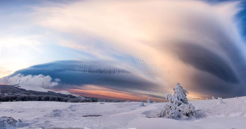 Belle image de l'hiver landscape images libres de droits