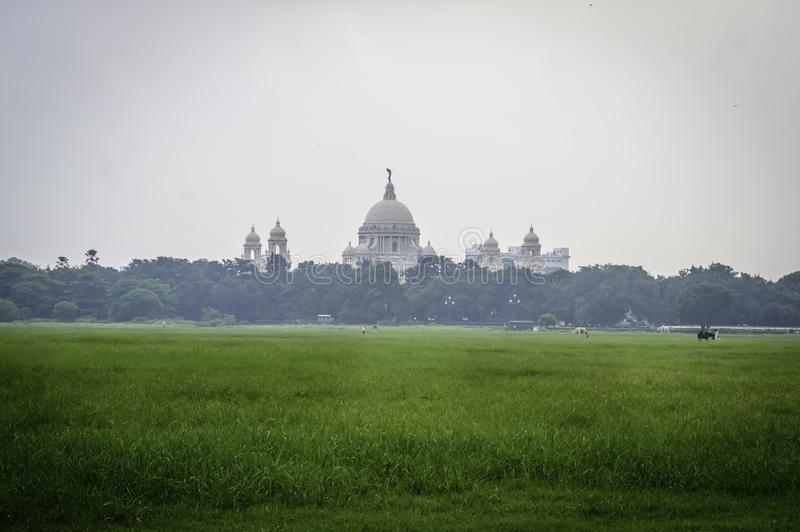 Belle image de rupture de Victoria Memorial de la distance, de Moidan, Kolkata, Calcutta, le Bengale-Occidental, Inde image stock