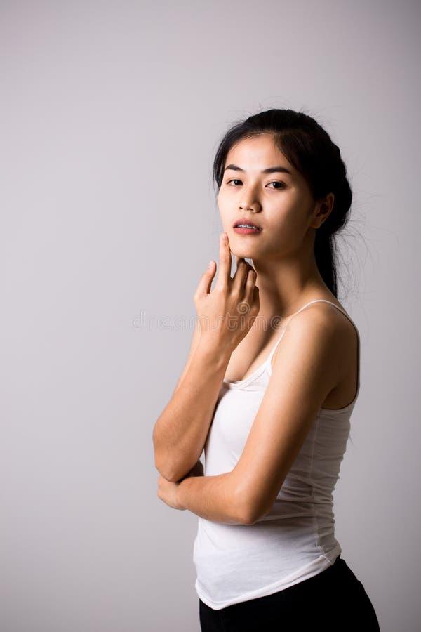Download Belle Jeune Femme Asiatique Photo stock - Image du fille, assez: 87706254