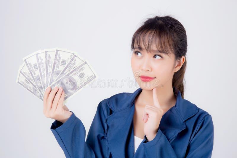 Belle jeune femme asiatique d'affaires avec de l'argent isolée sur fond blanc images libres de droits
