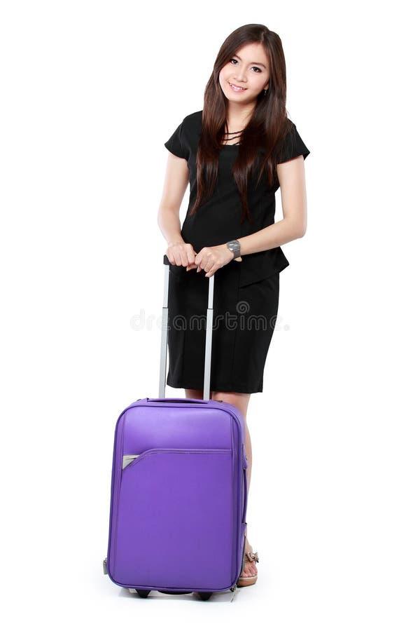 Belle jeune femme d'affaires avec la valise photos libres de droits