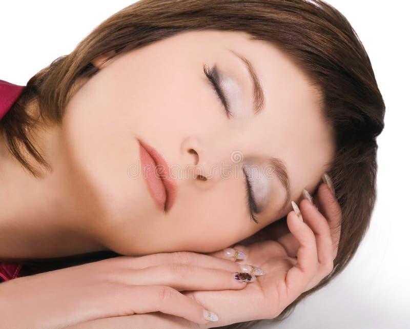belle jeune femme de sommeil image libre de droits